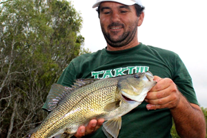 australian bass fishing hints and tips danny weaver