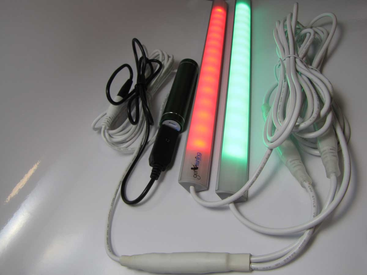 5V-usb-power-bank-green-powering-2-tinny-lights